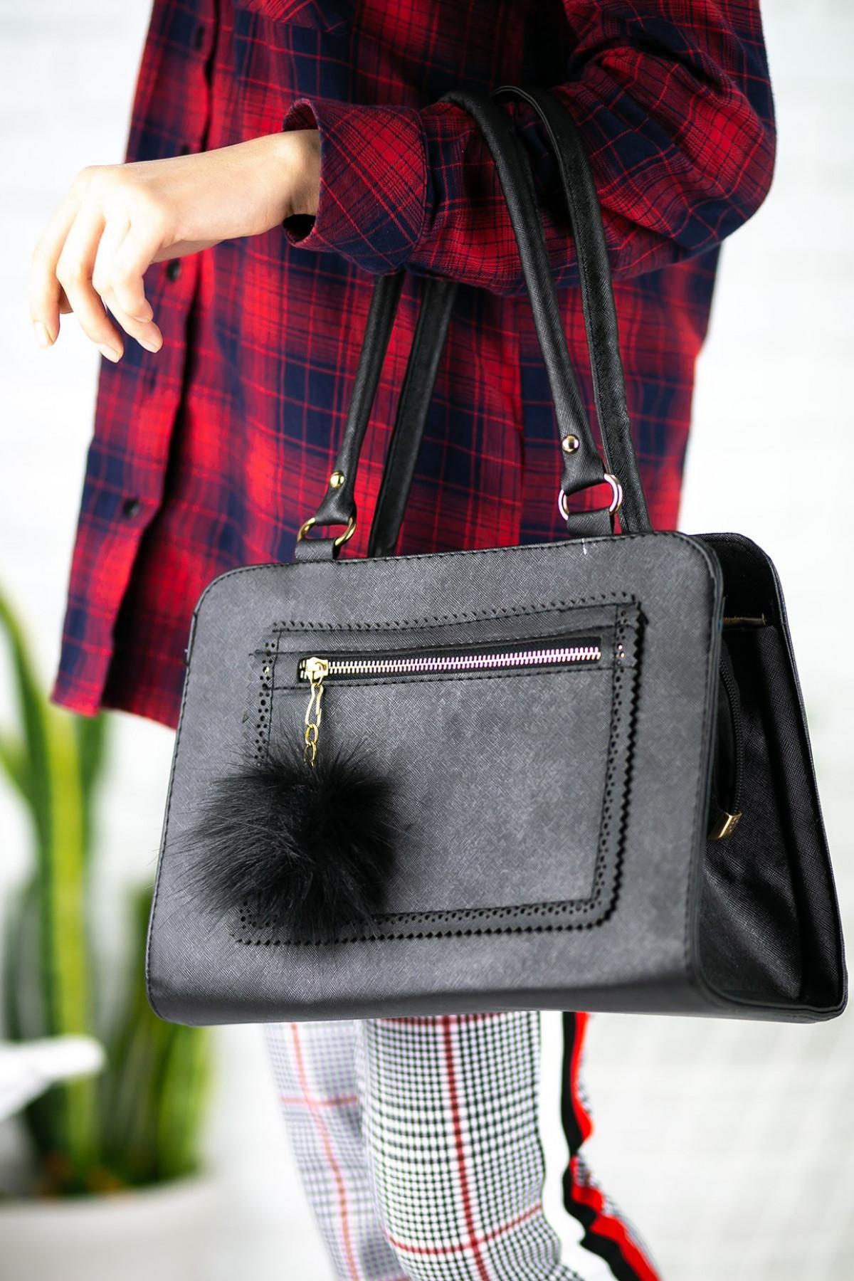 Livia Siyah Cilt Ponponlu Çanta