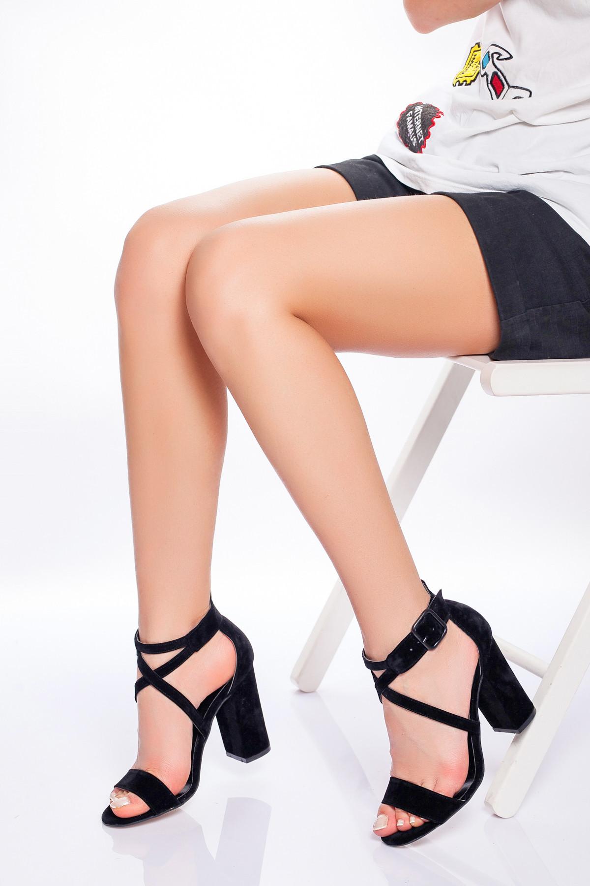 Siyah Süet Çapraz Bağlı Topuklu Ayakkabı