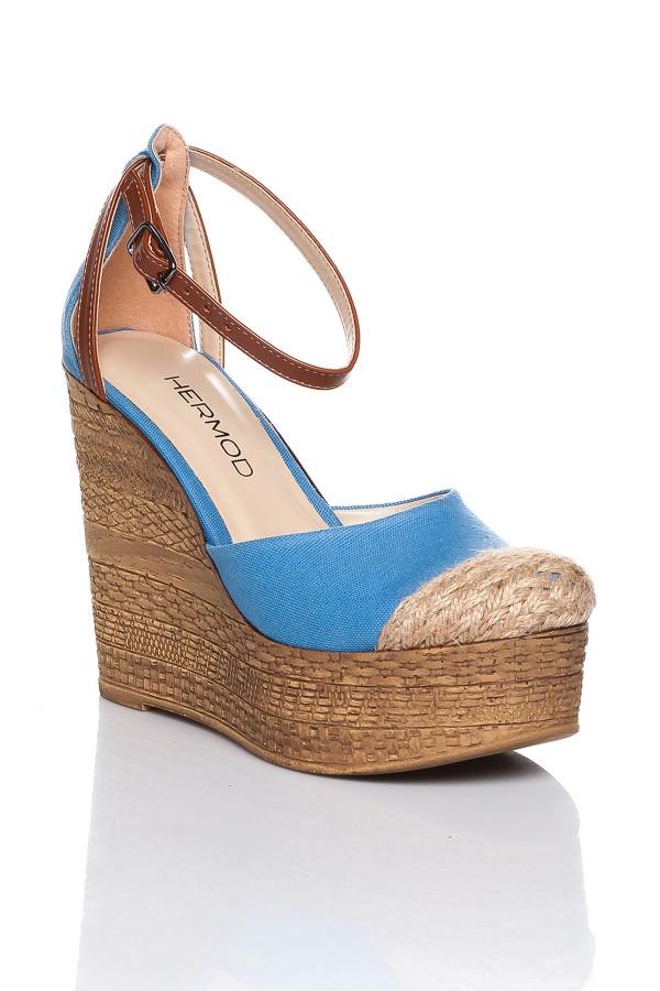 Hasır Detaylı Bebe Mavisi Dolgu Topuklu Sandalet