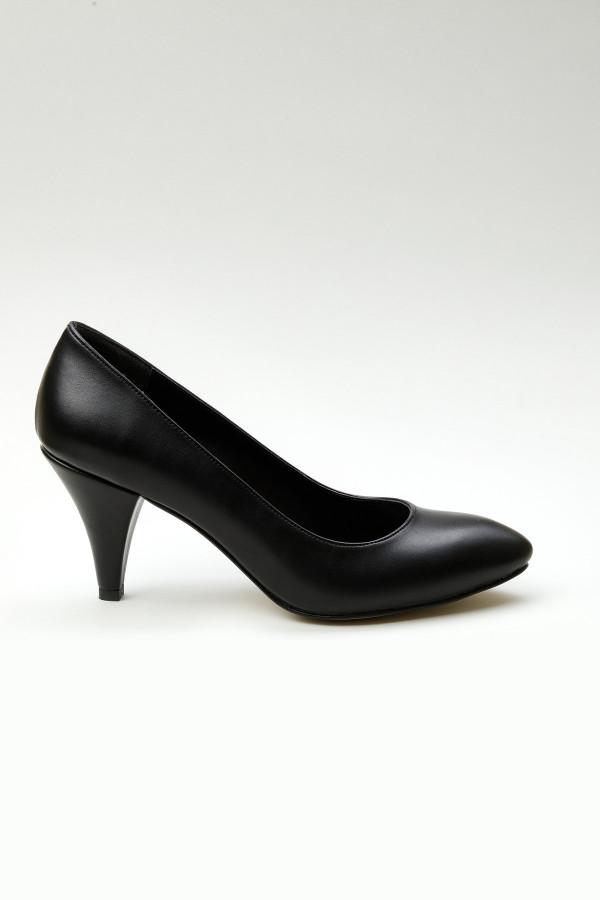 Siyah Cilt Stiletto