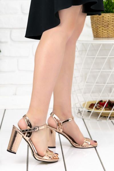 Evanda Rose Rugan Topuklu Ayakkabı
