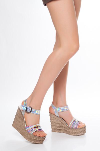Hologramlı Dolgu Topuk Sandalet