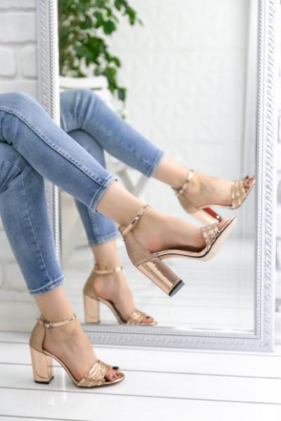 Lumonisa Rose Rugan Topuklu Ayakkabı