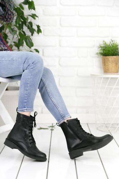 Siyah Cilt Troklu Kadın Postal Bot