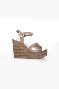 Altın Sarısı Dolgu Topuklu Sandalet