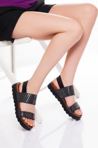 Siyah Bantlı Sandalet