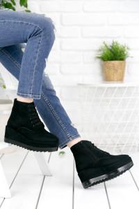 Siyah Dolgu Topuklu Kadın Bot